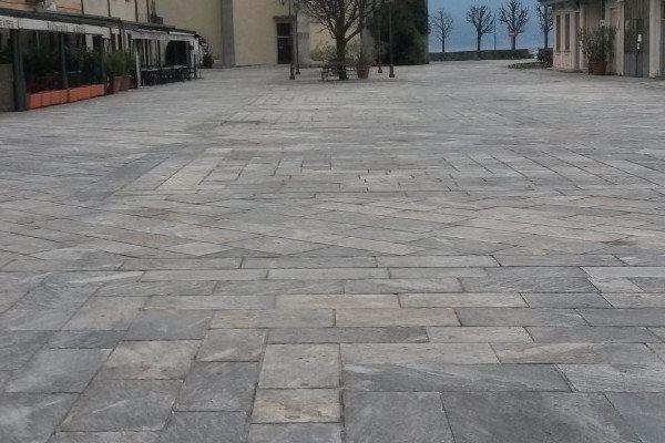 piazza lago cannobio